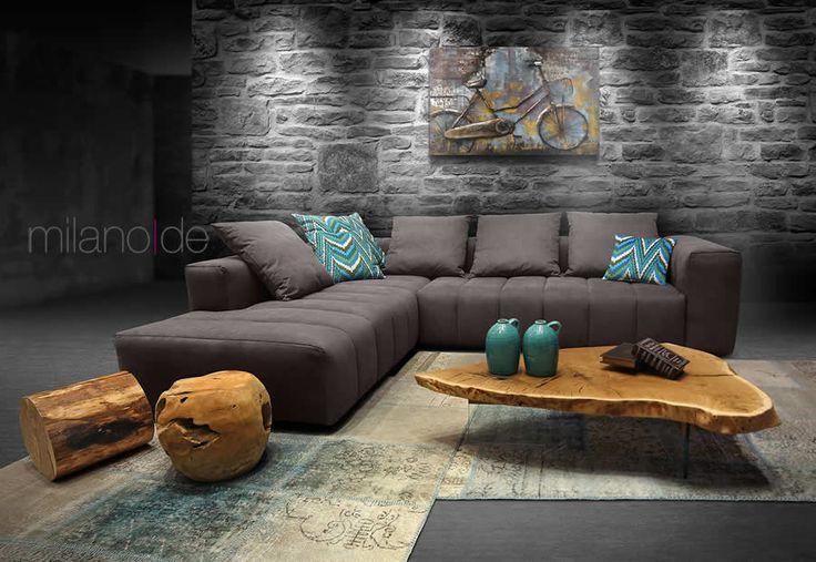 Σχεδιασμένος & κατασκευασμένος από τη Milanode, ο καναπές Stripe εμπλουτίζει τον χώρο του καθιστικού με τον μοναδικό σχεδιασμό του. Απαράμιλλη συμμετρία σε κάθε σημείο του καναπέ, όπου μπράτσο, πλάτη και ραφές αλλάζουν σκυτάλη κάθε 27 εκατοστά. Οι ελεύθερες μαξιλάρες στην πλάτη, από μαλακό αφρώδες υλικό, σε συνδυασμό με το αναπαυτικό βαθύ κάθισμα, «σπάνε» τις γεωμετρίες του καναπέ, δίνοντας έτσι μεγάλη ευελιξία στην υπόλοιπη διακόσμηση του καθιστικού. Διατίθεται επίσης σε 3θ & 2θ. #Sofa…