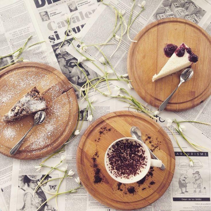 Biscuit cake , tiramisu , cheesecake