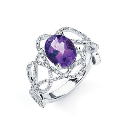 TANZANITE JEWELRY    Under $10,000    18k gold ring with diamonds and tanzanite; $4,820; Hidalgo