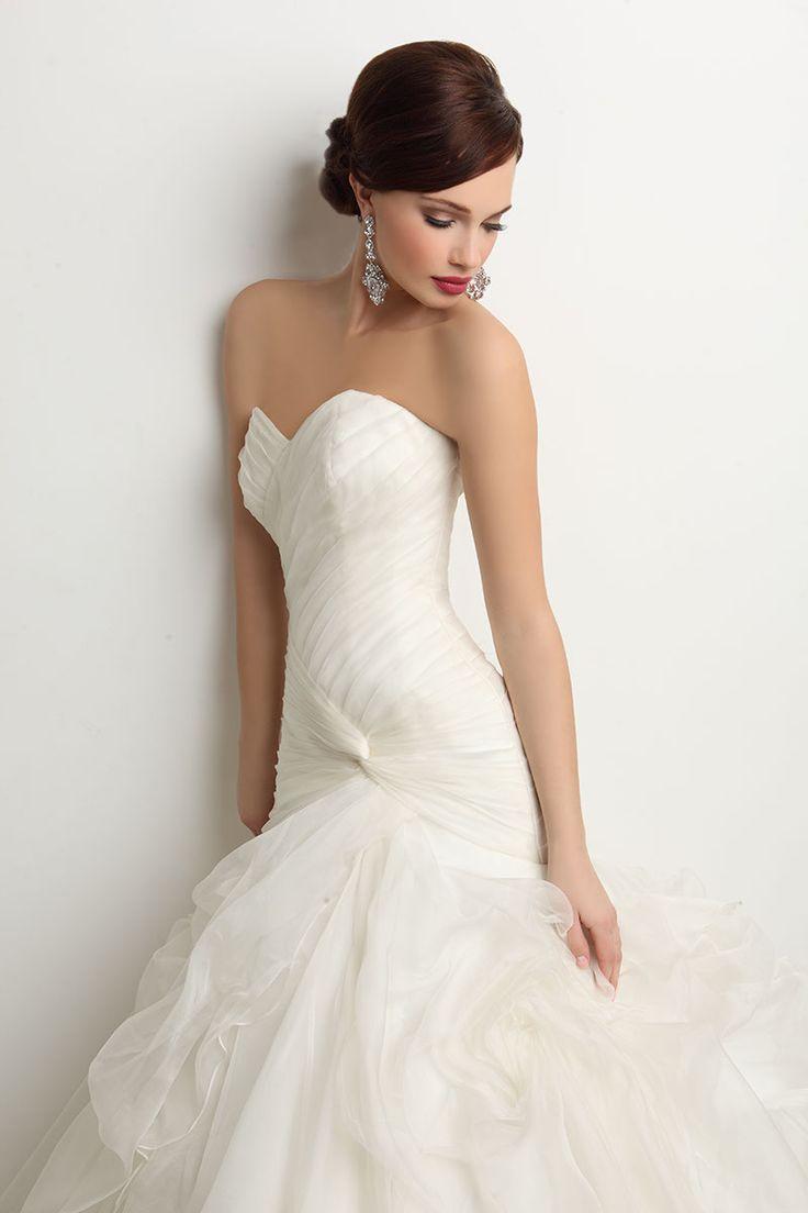 Chic-Modern-dress-designs-for-dream-wedding-dress-