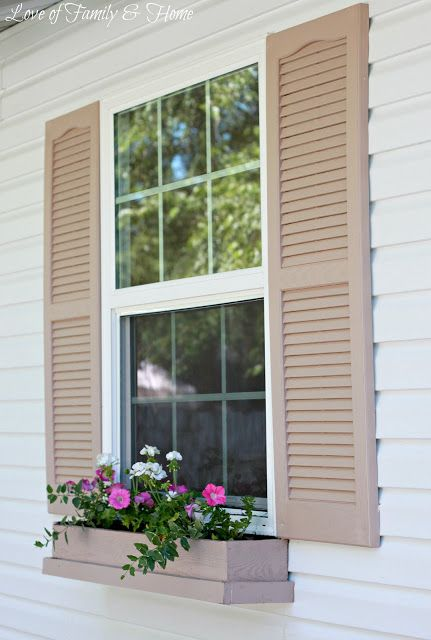 Check out these easy and inexpensive DIY window boxes from Love of Family and Home! This addition to your home will create a welcoming entrance for all visitors.
