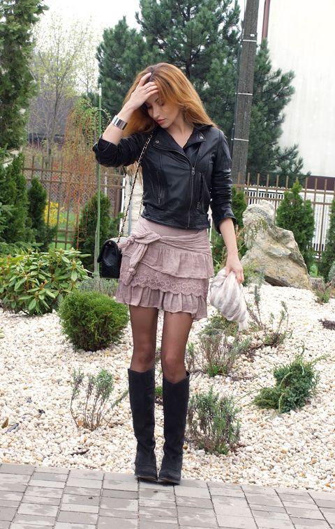 #fetishpantyhose #pantyhosefetish #legs #boots #blogger #pantyhose #tan