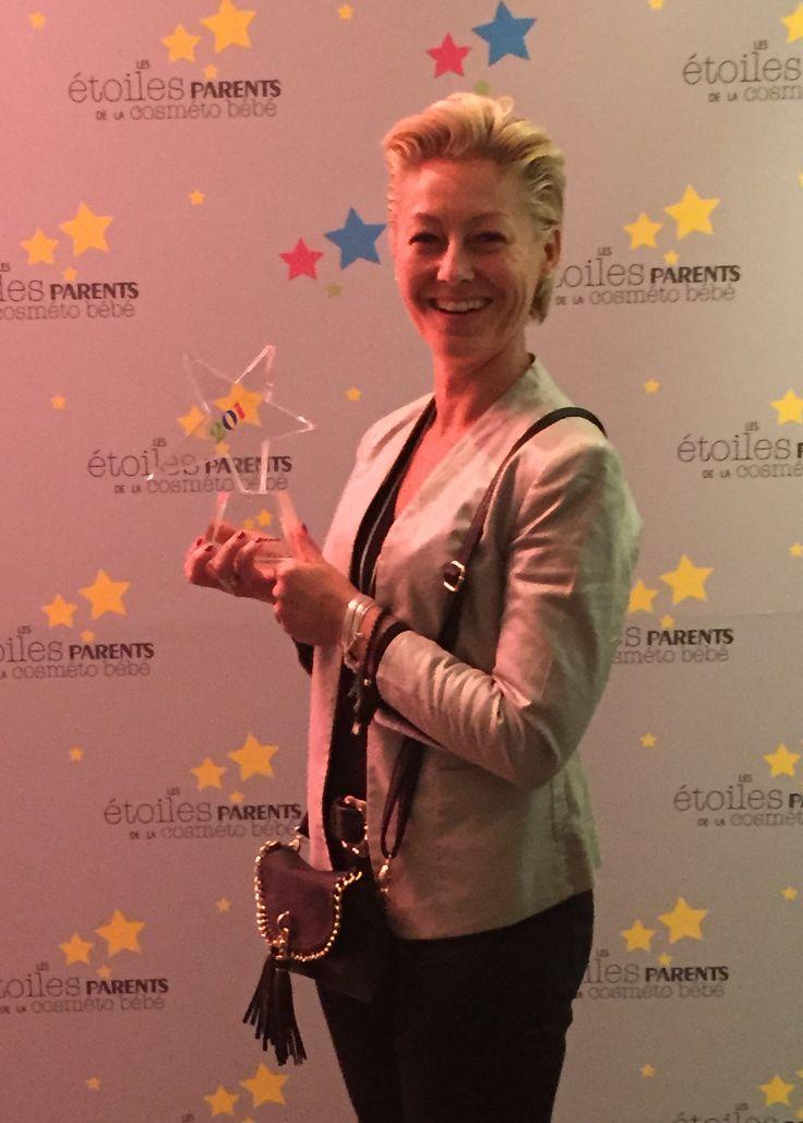 "The honorable ""Les Etoiles Parents de la Cosméto Bébé 2015"" awards were recognized yesterday in Paris, by leading family magazine in France Parents.   The winner of Baby Oil (selective retailing) Sophie la girafe Baby Oil - here with our French distributor Mme Delphine Jacquemier.   http://www.parents.fr/Puericulture/Sa-premiere-annee/Les-Etoiles-Parents-de-la-Cosmeto-Bebe-le-palmares-2015   #sophielagirafecosmetics #sophielagirafebaby #sophielagirafe #sophiethegiraffe"