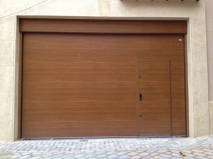 Puertas garaje valencia best puerta seccional nave for Puertas correderas valencia