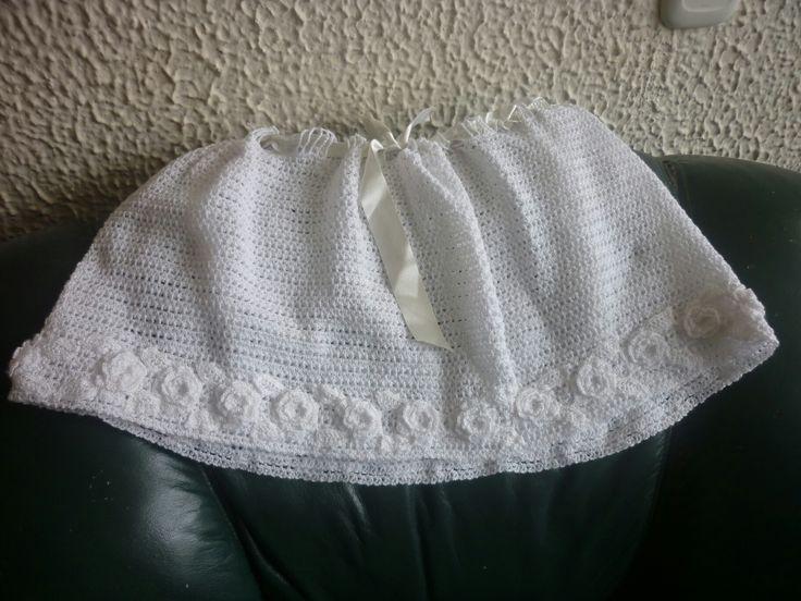 Falda niña tejida en crochet