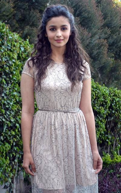 25 Alia Bhatt hairstyles  Page 17 of 25  Hairstyle Monkey
