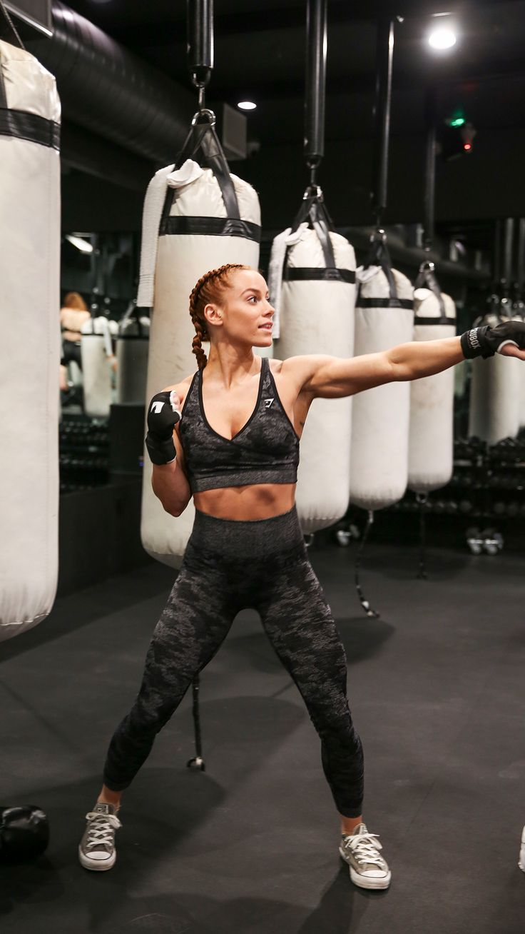 Be strong. Be seen. Lauren Findley wears the Camo Seamless to box it out at the Crubox, LA boxing event! #Gymshark #Gym #Sweat #Train #Perform #Seamless #Exercise #Strength #Strong #Power #Fitness #OutfitInspiration #Womenswear #Chill #RestDay #Gains #Muscle #Training