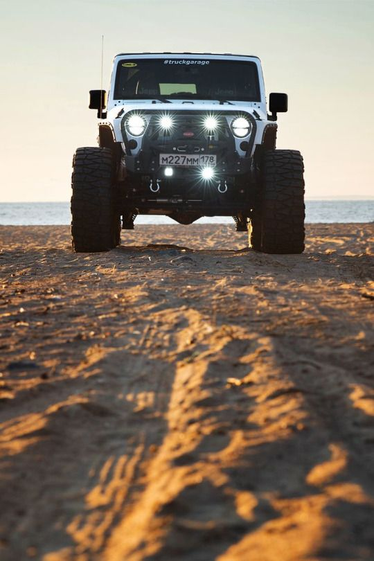 Jeep beach day