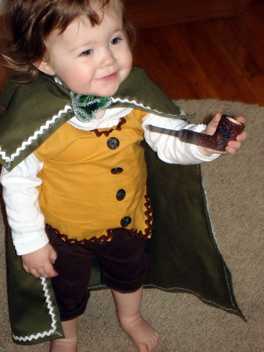 Baby Hobbit- Not sure my sisters are nerdy enough to dress their babies like hobbits, but this is precious, and I think I need a baby hobbit in my life ;)
