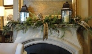 Love this simple mantle.Mantles Decor, Simple Mantles, Winter Greenery, Nell Hills Christmas, Wall Lanterns, Christmas Decor, Mantles Arrangements, Christmas Mantles, Christmas Mantels