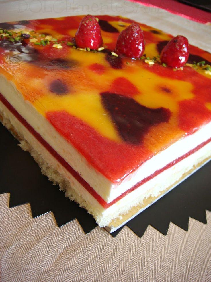 Una torta buonissima, una delle mie preferite di Montersino, soffice, profumata, colorata, fruttata senza mancare di golosità. Un dolc...