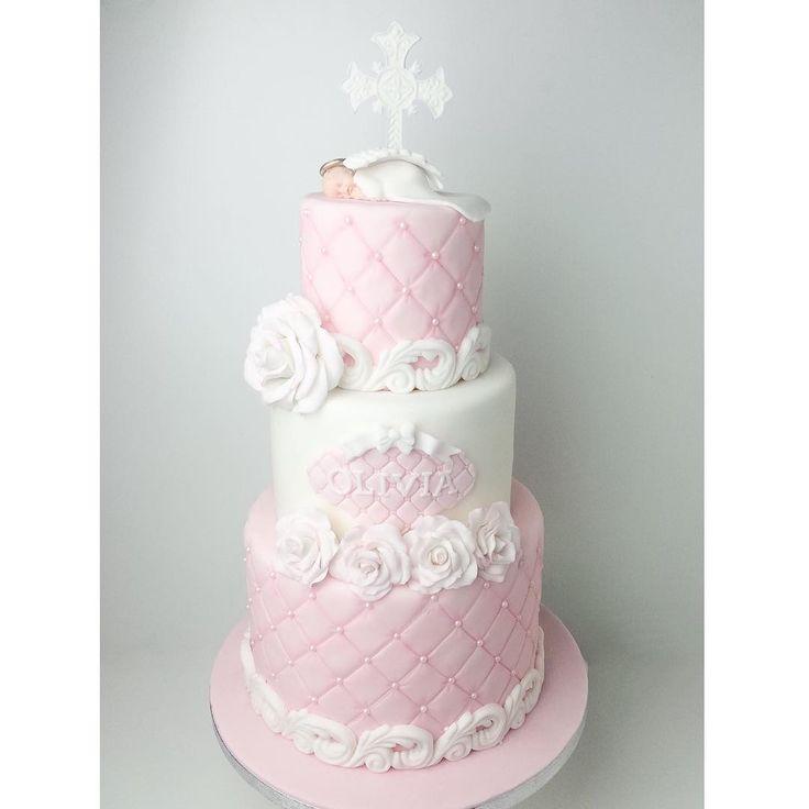 Trevlig fredag på er mina fina!! ☺️ #sweetsbysusy #baptismcake #christeningcake #christening #cake #shabychic #girlcake #pink #angel #tårta #dop #doptårta #kalas #namnkalas #barnkalas #stockholm #solna