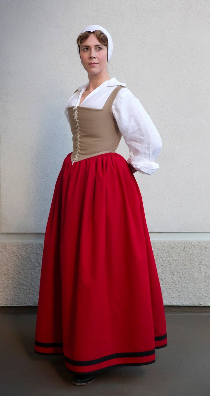***  So I decided I needed a new foundation garment!  I also wanted to re-draft my kirtle bodice (again) and experiment with less boning......