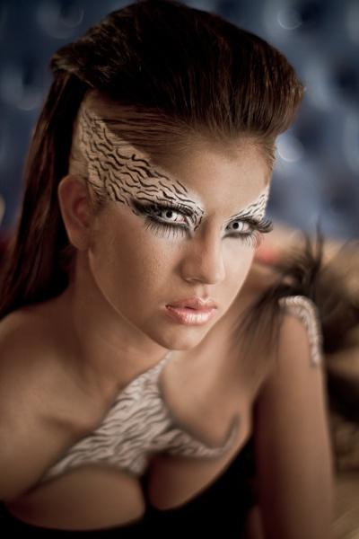 Maquillajes de Fantasía by memoflores, via Flickr