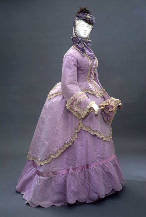 1869 Women's Historical Fashion