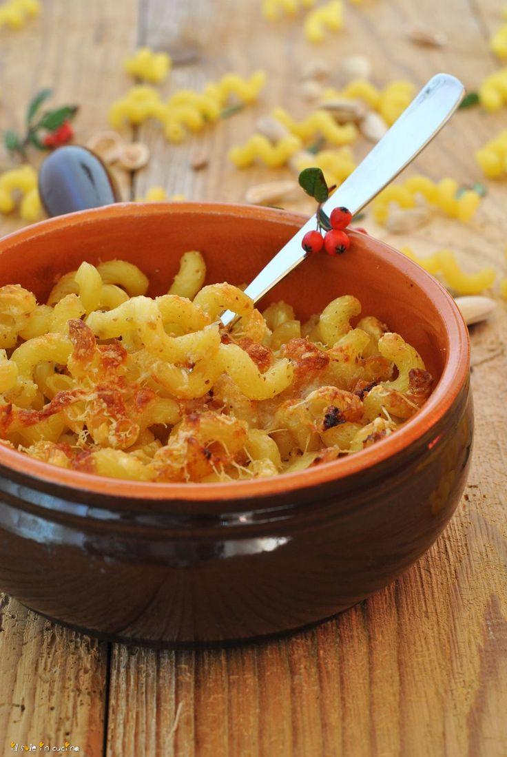 pasta al forno con crema di pistacchi verticale