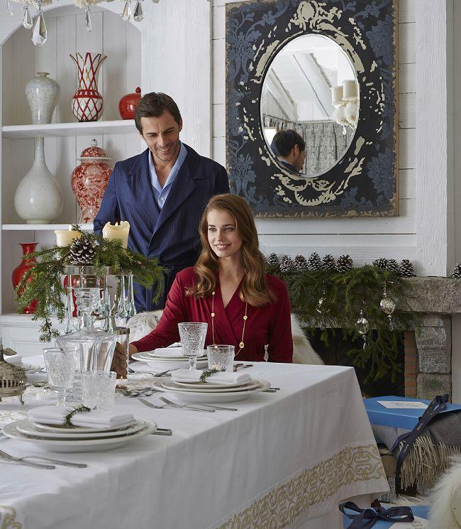 Создайте себе новогоднее настроение с текстилем от дома Frette! Элегантная одежда для дома, изысканное столовое бельё и домашний текстиль создадут незабываемую праздничную обстановку. #bedlinen #chic #frette #соmfort #дизайн #интерьер www.frette.com.ua