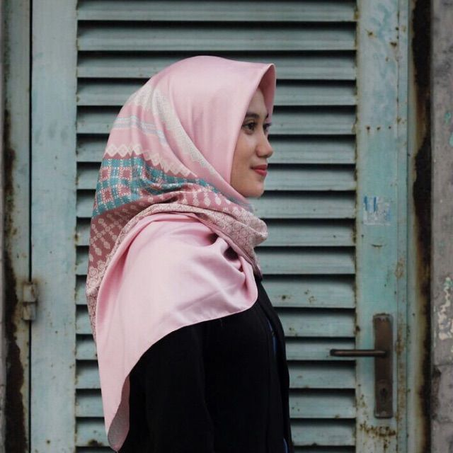 Saya menjual Hijab Pattern Pink seharga Rp52.000. Dapatkan produk ini hanya di Shopee! https://shopee.co.id/veils/406980847 #ShopeeID