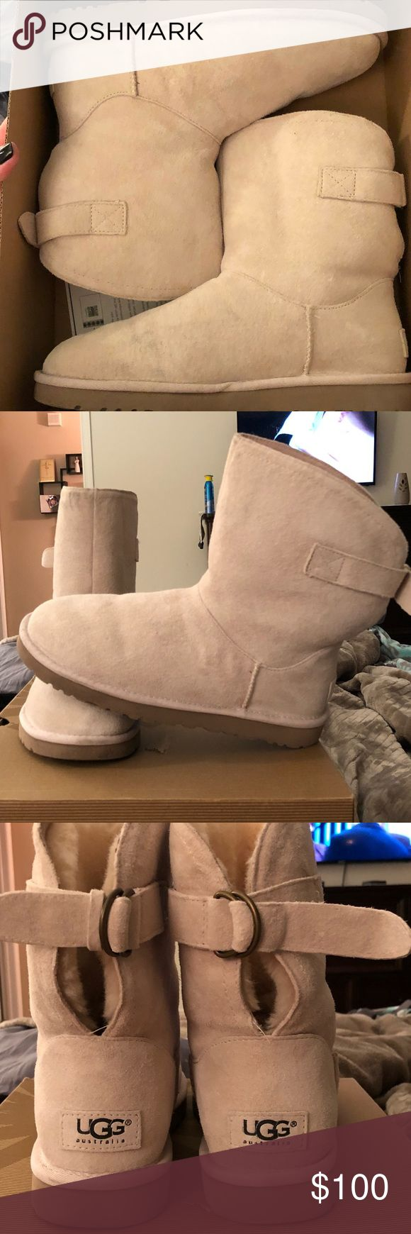 Remora Uggs Remora style uggs with buckles. They are the Fresh Snow color in a size 8. They are water resistant and have only been worn once. The right buckle does not have a small strap to secure the larger strap. Box is included. UGG Shoes Ankle Boots & Booties