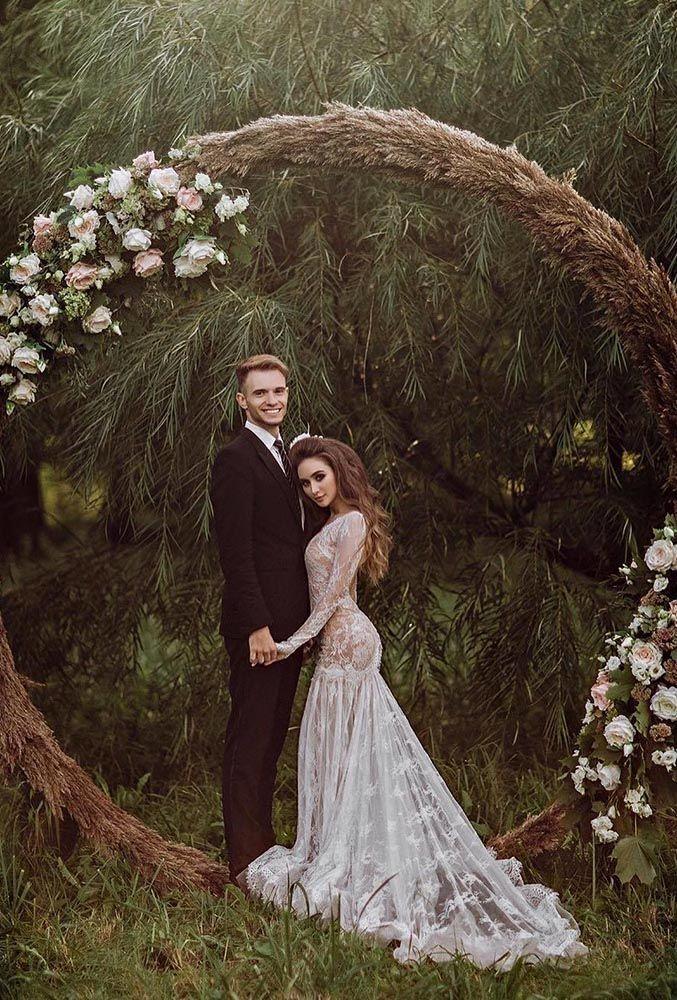wedding wreaths flower romantic couple annakiseliova