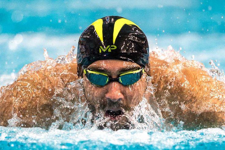 Michael Phelps defeats Ryan Lochte in 200 IM at the Arena Pro Swim (Race Video)
