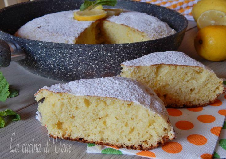 torta soffice ricotta e limone cotta in padella, ricetta facile per fare una golosa torta in padella. Ricetta per torta senza forno cotta in padella