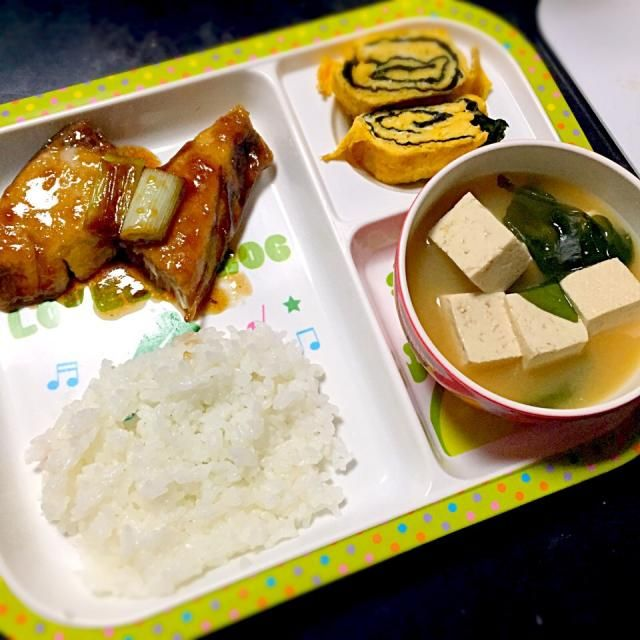 ⚫︎ブリ照り ⚫︎海苔玉子焼き ⚫︎豆腐とわかめの味噌汁 - 8件のもぐもぐ - 子どもごはん by mamekoon