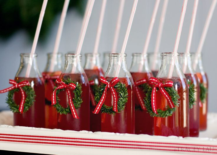 LOVE this!  MINI WREATHS on GLASSES (bottles, or jars)  for a CHRISTMAS Party!  :)