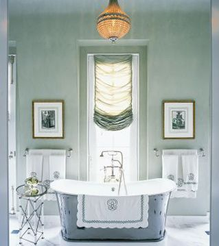 Top designers' fav. paint colorsDecor, Bathroom Design, Curtains, Tubs, Romans Shades, Traditional Bathroom, Painting Colors, Windows Treatments, Master Bathroom