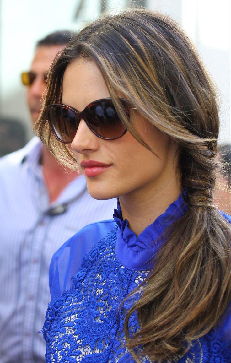 coda laterale - Alessandra Ambrosio - 100 acconciature di capelli raccolti da provare una al giorno -cosmopolitan.it