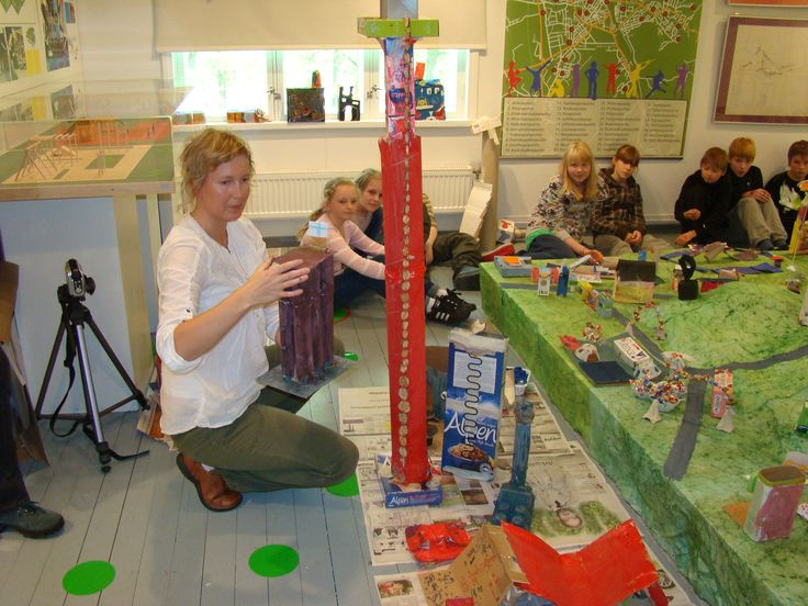 And the city needed two high towers..the other needed to be higher,of cource..we had quite architects among the groups.