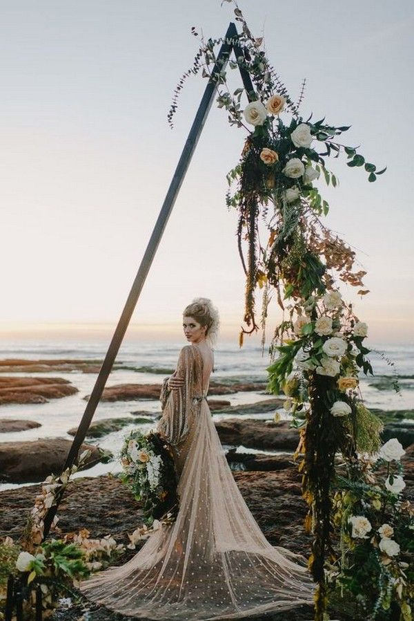 20 Stunning Beach Wedding Ceremony Ideas Backdrops Arches And Aisles Emmalovesweddings Wedding Beach Ceremony Bohemian Beach Wedding Boho Wedding Arch