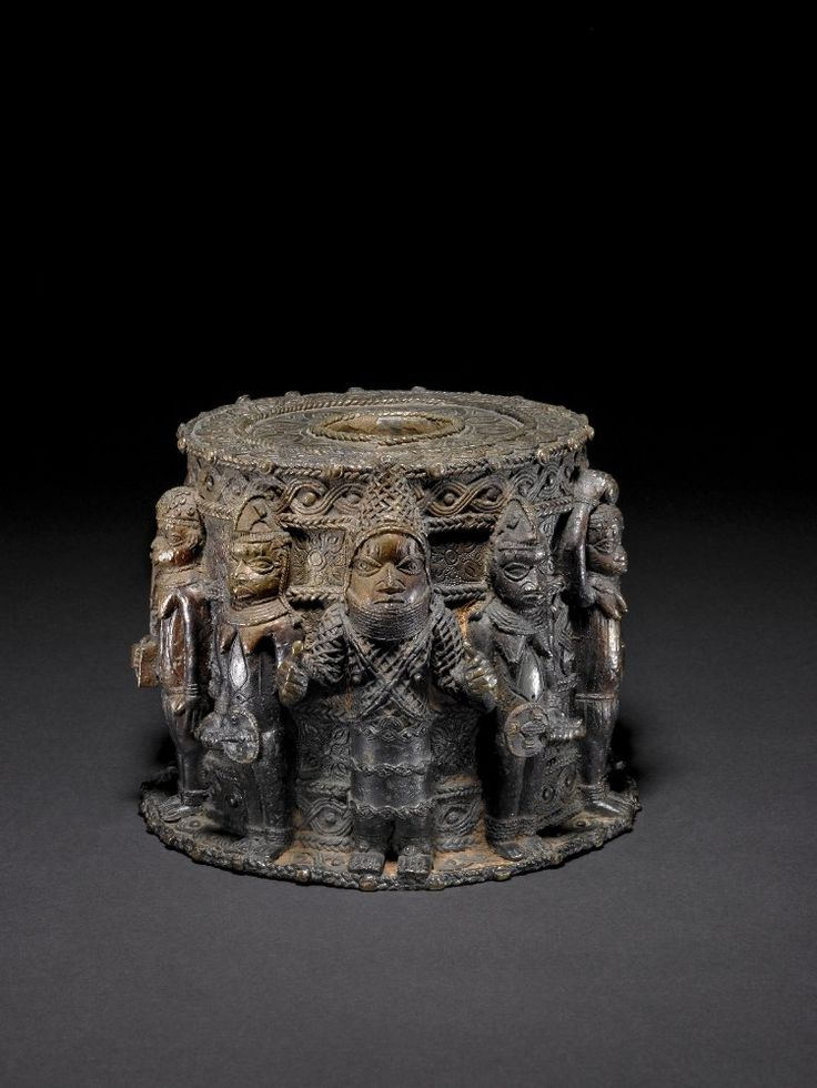 altar to the hand analysisn benin Title: benin art, author: catherine georges benin's oral histories relate how oba esigie or a brass altar to the hand (ikegobo.