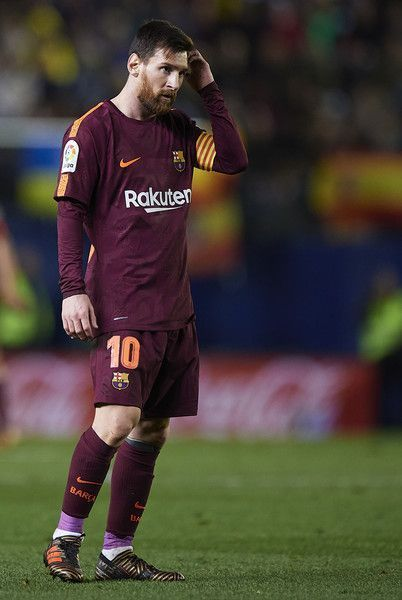 Lionel Messi of Barcelona reacts during the La Liga match between Villarreal and Barcelona at Estadio La Ceramica on December 10, 2017 in Villarreal, Spain. #futbolbarcelona