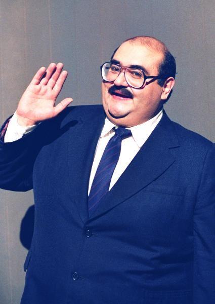 Senhor Barriga (Edgar Vivar).