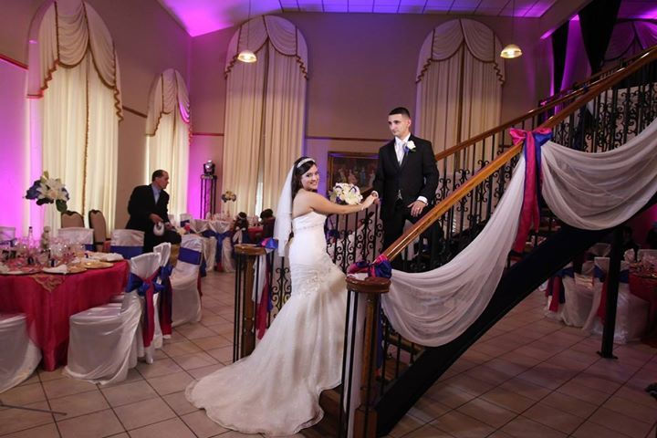 Check @eVenueBooking for a perfect cheap wedding reception venues in Houston TX with best budget on venue food seating cocktails and more!