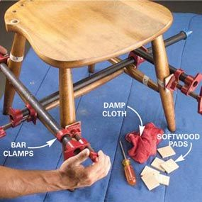 Photo 8: Clamp the legs and seat - how to disassemble and reglue a wobbly chair