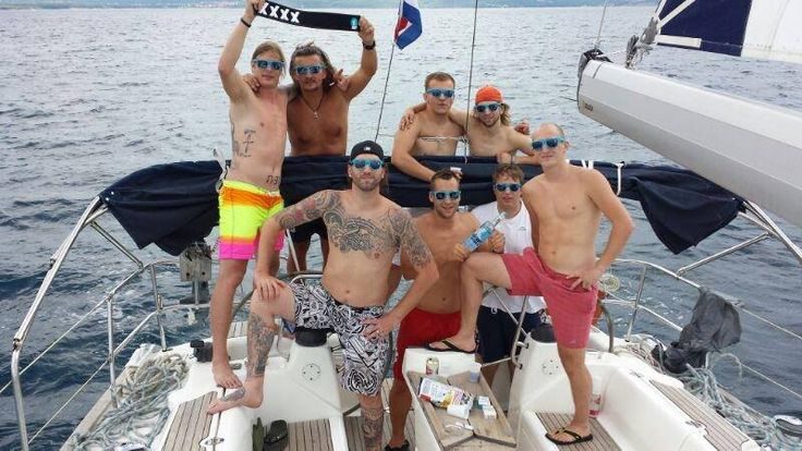 Boat Trip to a incredible hangover XD