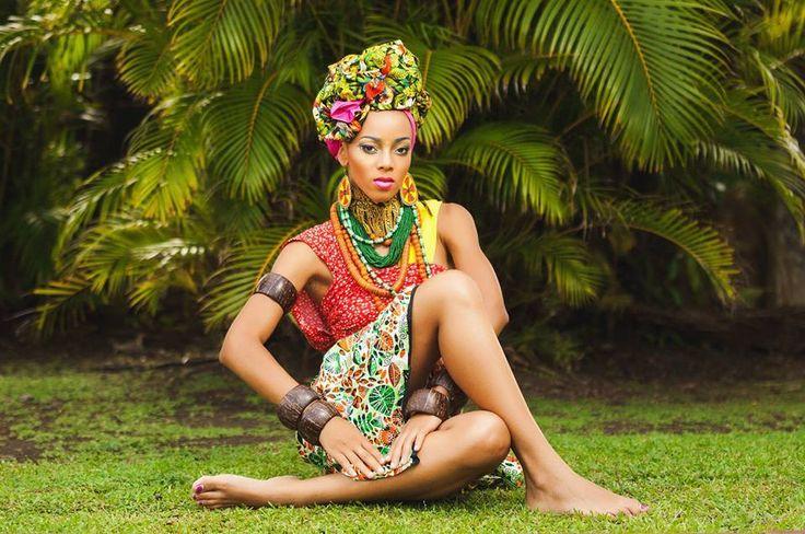 """#Editorial • Les """"Maré Tèt"""" d'Emmanuelle Soundjata pour Tropics Magazine No.54 >>> http://bit.ly/1zI4CL3   [Credits - Stylisme Body wrap & Maré tèt : Emmanuelle Soundjata; Photographe : Vethy Hervé-Yann; Directrice Artistique : Karine Linord; MUA : Stéphanie Montlouis-Calixte Maquilleuse; Modéles : Mysterieuse Magali.]  #TropicsMagazine"""