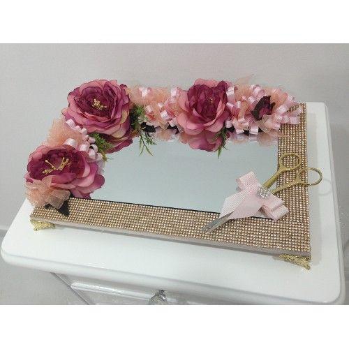 Çiçek dekorasyonlu ve ayaklı söz ve nişan tepsisi ürünü, özellikleri ve en uygun fiyatları n11.com'da! Çiçek dekorasyonlu ve ayaklı söz ve nişan tepsisi, organizasyon kategorisinde! 164
