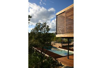 Réalisé par l'agence Les comptoires de l'architecture  Construction de maison  Retrouvez les réalisations de l'agence sur Archidvisor