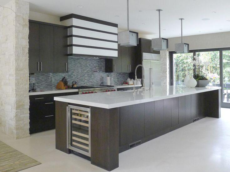 Gorgeous, modern kitchen  #creative #homedisign #interiordesign #trend #vogue #amazing #nice #like #love #finsahome #wonderfull #beautiful #decoration #interiordecoration #cool #decor #tendency #brilliant #kitchen #love #idea #cabinet #art #worktop #cook #modern #astonishing #impressive #furniture #diy #parquet #floor #flooring #wood
