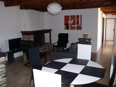 Salon du Château avec chambres d'hôtes et gîtes à vendre en Cévennes sud Lozère