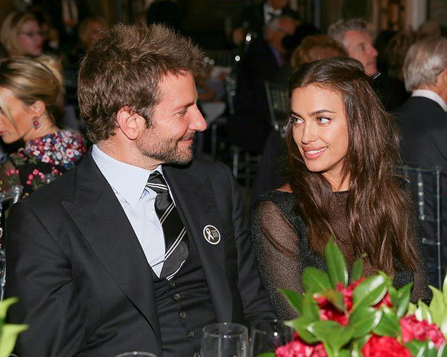 Bradley Cooper cheers on supermodel girlfriend Irina Shayk at PFW - Foto 4
