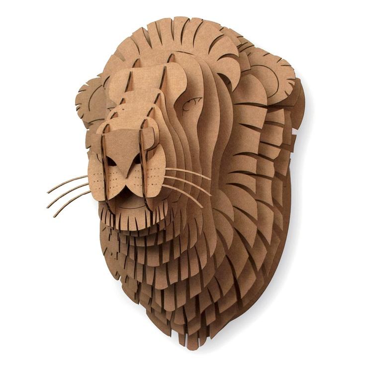 lion en carton