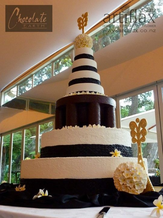 7 tier polynesian wedding cake, stands 5ft tall!