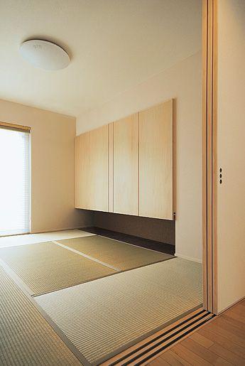 洋風の空間に調和する個性ある和室