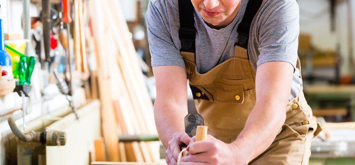 Qual a diferença entre marceneiros e carpinteiros? #diferenças #carpinteiro #carpintaria #madeira #marceneiro #marcenaria #trabalho #casa #serviço #zaask #zaaskit #pro