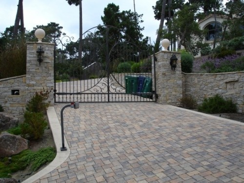 195 best images about gates fences door and driveway on for Best driveway gates