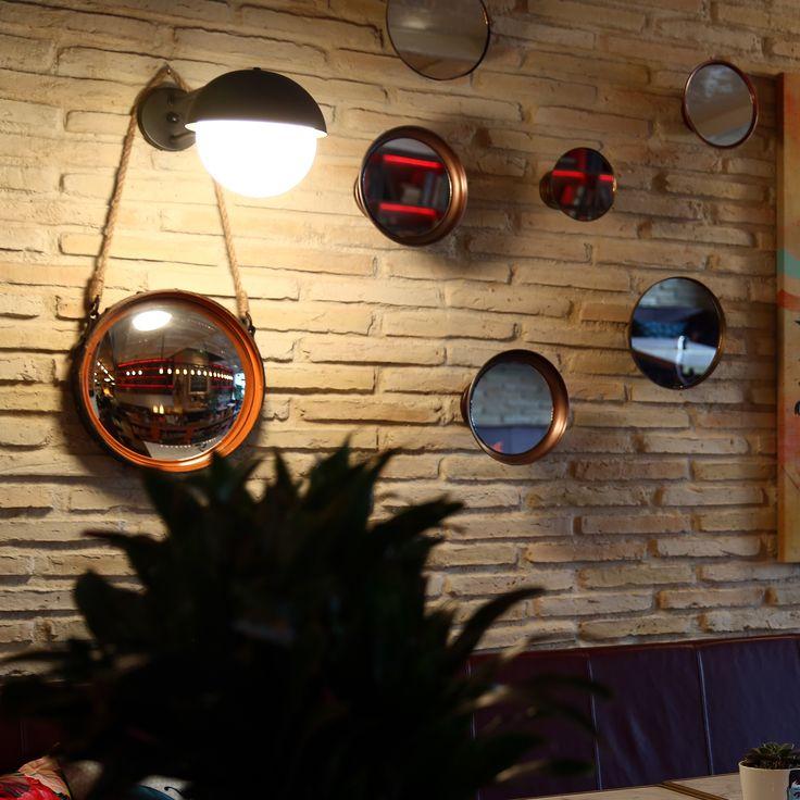 Duvar dekorasyonlarınıza yeni bir hikâye katacak dekoratif aynaları keşfetmeye ne dersiniz? #DekorazonCom >> http://www.dekorazon.com/dekorazon-ozel-duvar-dekorasyonu-kategorisi-530?utm_source=Pinterest&utm_medium=post&utm_campaign=Dekorazon-Ayna#3&t=k